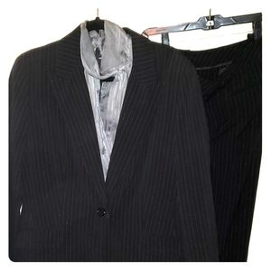 NY&Co 2pc pinstripe suit jacket sz 16 pants 12